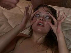 Ashlynn Leigh keeps her eyes wide open for a bukkake