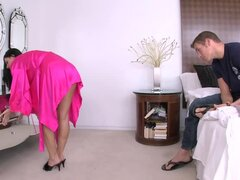 India Summer deepthroats before taking the cock in her pussy