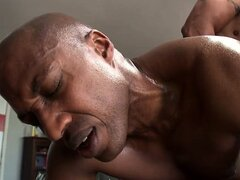 Huge hung black dudes are fucking hard...