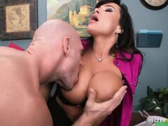 Secretary with a nice tan gets her gorgeous body screwed hard