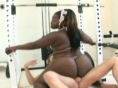 Fat bbw ebony does a different workout on his cock