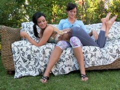 Outdoor foot fetish with Shannon Reid and Tess