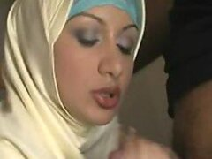 A stunning Arab hottie sucks her man's wang like an absolute pro...