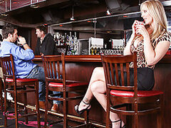 Sexy Cougar Julia Ann is real horny tonight and decides to go on the hunt for a young man. She not only wants a young man but she wants a young man with a big dick!She goes down to the local bar and all the men jaws drop as she enters!Thats when she reali