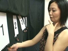 Japanese Mature Finding The Right Cock in Gloryhole Contest