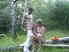 Mature Amateur Sucks and Fucks in Homemade Forest Sex