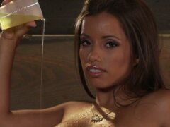 Sexy lemonade seller Lupe Fuentes rubs her clit on the counter