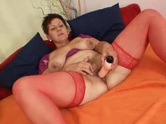 Amateur housewife plus huge natural breasts