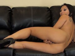 Asa Akira has a horny hole and needs to works her solo magic quickly