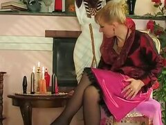 Awesome mature chick getting her meaty muff exploited by young hung worker