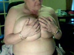 One chunky SBBW webcam granny shows me her giant saggy melons
