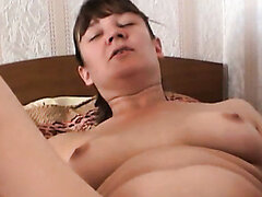 Ugly chick Kristal masturbates in the not cosy motel room