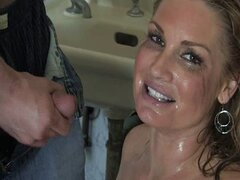 Flower Tucci Golden Shower
