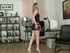 Every boss would love to have a secretary like Marilyn