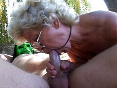 Granny pussy fucking outside in the sun