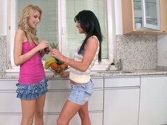 Two show stopping honeys have some fun in the kitchen