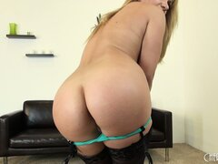 See how far Lea Lexi can spread her legs to rub her sweet snatch