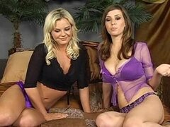 Live in bed - Shay Laren & Bree Olson