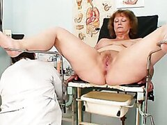 Kinky hospital worker pretends to be gynecologist doctor