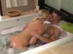 Babes bath massage is a hit with her horny clients