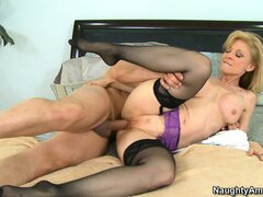 Blonde Milf Nina Hartley spoons and then goes doggy style gasping