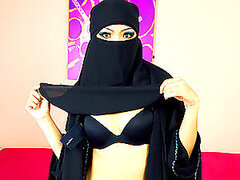 Covered Up Arab Hottie Sucks...