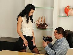 A naughty secretary shows her new boss just how good she is on his todger