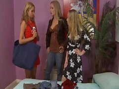 Milf and young lesbians do sensual threesome