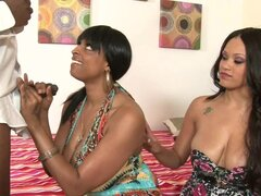 Busty babe Carmen and her slutty sister in the threesome