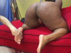 Big black momma gives a fantastic cock-ride
