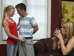 Stepmom Kristal Summers loves threesome