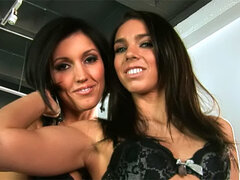 Dylan Ryder licking alluring pussy if her cute sister