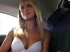Gorgeous amateur sex on the backseat