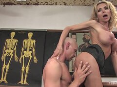 Busty Blonde Tranny Blowjobs and Handjobs Before Making Him Give Head