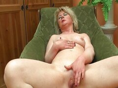 Horny mature housewife loves to play