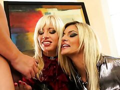 BLONDIE BABES MAKE A PISS CALL/KLARISA...