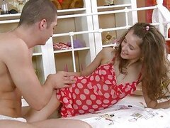 Babe gets ass fucked