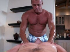 Big dick massage fuck by this muscled guy