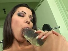 Full Pussy Stretching for Cindy Hope Thanks to Huge Dildo