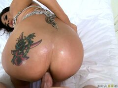 Indian hottie's sparkly big ass with tattoos eats a big dick