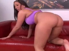 MY FAV THICK PAWG DAMN TOPDOG