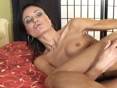Awesome brunette Paola is banging her wet love tunnel