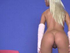 Sexy babe Natali Blond demonstrates her alluring body