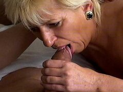 Crazy old mom gets hard fucked and takes wet cumshot