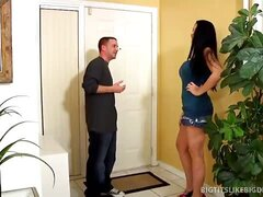 Bella Blaze Gets Bottomed Out By Tiny Italian Stallion!