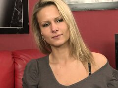 Sexy blonde MILF Samantha Jolie gets naked and poses at her casting call