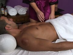 Dude from Cuba meets blonde masseuse who gives head with the massage