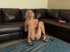 Skinny blonde Sarah Jessie in a live session toying her little twat