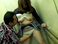 Sexy voyeur action of Japanese housewife fucked!